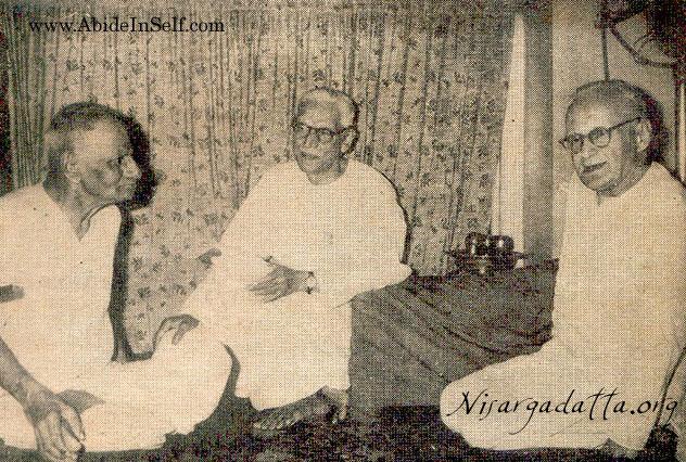 Maharaj (left) with Frydman (right)